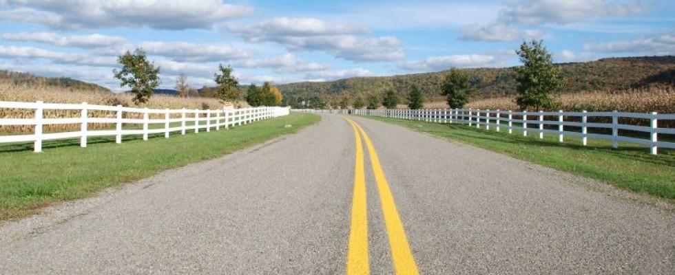 ustawa o drogach publicznych -Obiekty umieszczone w pasie drogowym przed wejściem w życie ustawy o drogach publicznych mogą pozostać w stanie niezmienionym - Kancelaria Adwokacka Ius Cogens Toruń